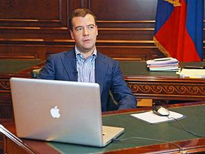 Медведев признан главным блоггером рунета