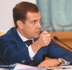 Медведев предлагает закрывать все сайты с информацией о наркотиках